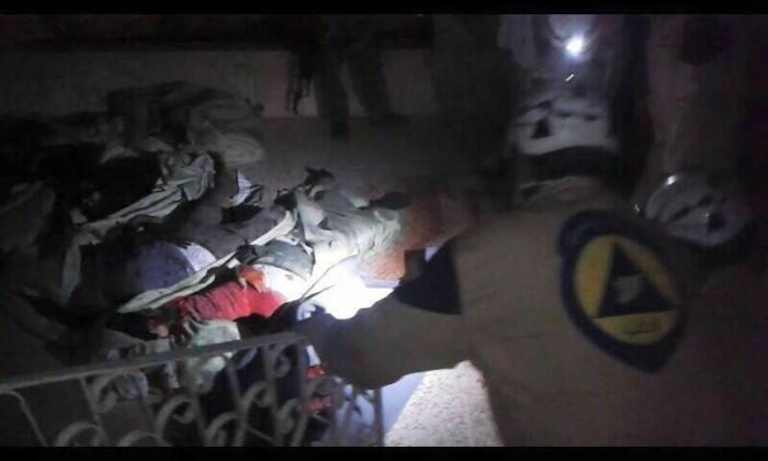 Scene nakon eksplozije u džamiji u Arihi