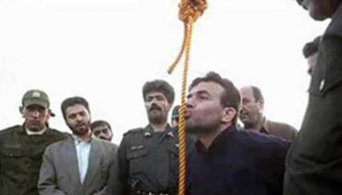 Iranski sunija ljubi omču prije vješanja od strane šiitske vlasti u Iranu