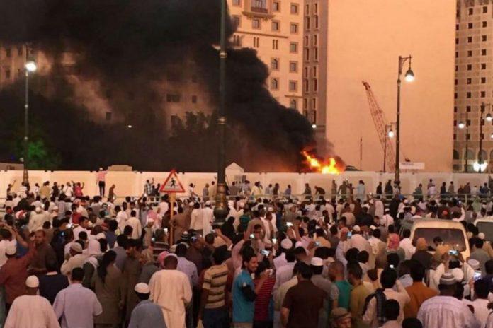 Scena nakon bombaškog napada u blizini Poslanikove džamije u Medini